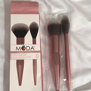 Limited Edition Moda 2 pc Brush Set - NEW